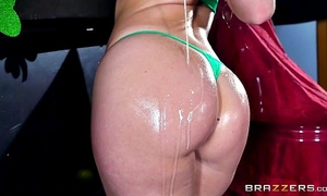 Brazzers - hot milf jessica ryan can't live without large knob