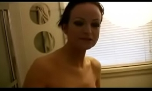 Amateur white bitch gives a quickie to hubby in advance of that guy goes to work