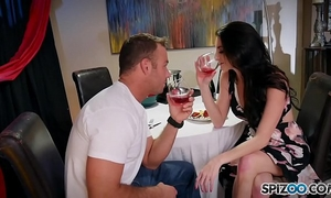 Spizoo - see chad white pounds silvia saige constricted moist cookie