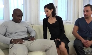 Cuckold training white bitch copulates dark fellow in front of spouse and cum-hole licked