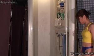 Spying japanese cheating wife haruna ikoma in shower room