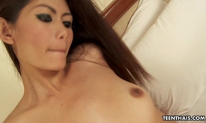 Thai model acquires her lovely moist cookie filled up