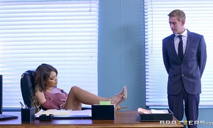 Brazzers - cassidy banks receives some large white knob at work