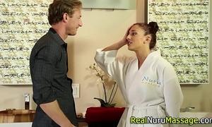 Wam masseuse sucks off