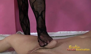 Arab amira foot fetish clip of a footjob