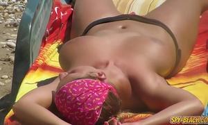 Topless voyeur beach dilettante milfs - spy-beach clip