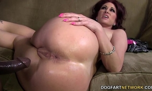 Tiffany mynx likes anal with large dark dick