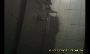 Espiada desnuda en la ducha