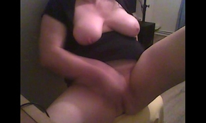 Chubby girlfriend tugging on her massive clitoris - solo-girl - masturbation