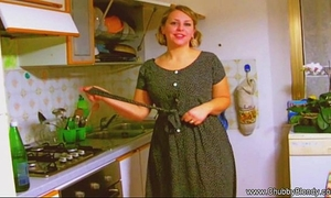 Housewife blow job from the 1950's!