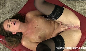 Gorgeous self pee from stocking wearing brunette hair