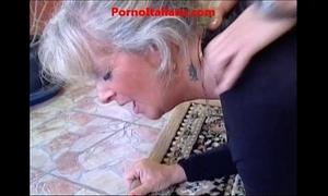 Granny golden-haired hawt - vecchia bionda molto troia succhia cazzo