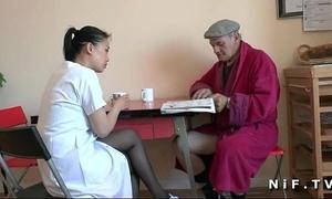 French old dude papy voyeur doing a juvenile oriental nurse