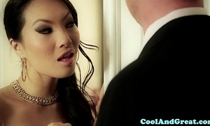 Cumswapping oriental sweethearts sexy ffm act