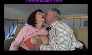 Granny older whore engulfing shlong on old shlong vecchia troia matura succhia cazzo