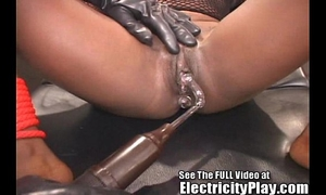 Wild swarthy wench shocked and drilled!