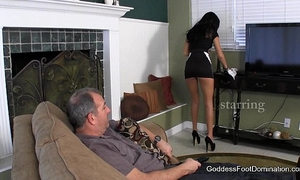 Maid shows kinky client who's boss