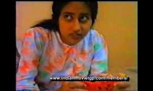 Honeymoon of tamil Married slut in gulf