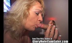 Mature whore eats magnificence gap cum!