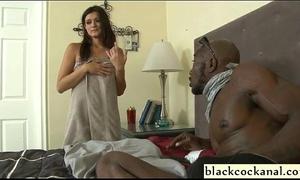 Young cheating wife sucks dark convicts jock