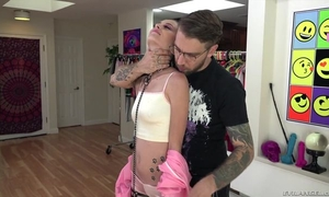 Skinny bimbo with small cans gets roughly fucked