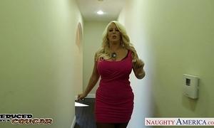 Blonde cougar alura jenson jump jock