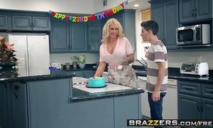 Brazzers - mom got wobblers - my allies screwed my mama scene starring ryan conner, jordi el ni&ntild
