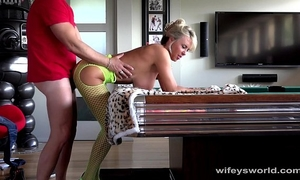 Wifey acquires fucked and discharges cum on her face