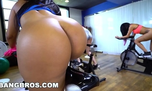 Bangbros - curvy lalin girl rose monroe screwed in spin class by brick danger